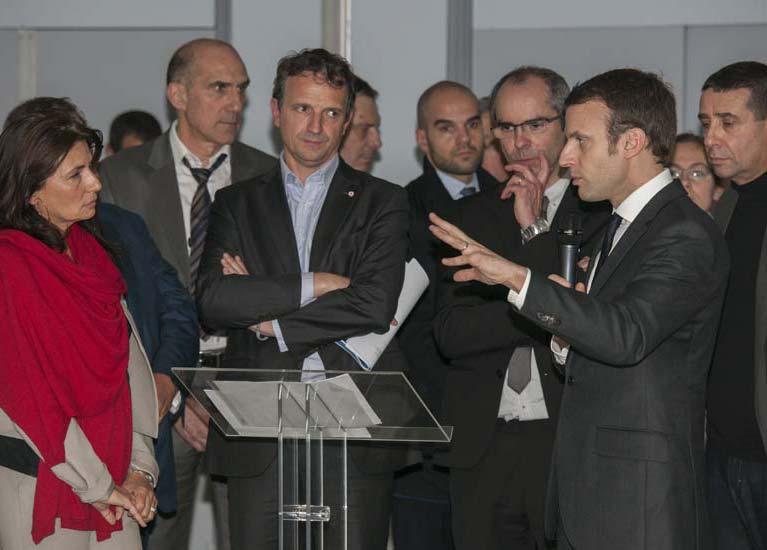 PIICTO : Macron, Fossette